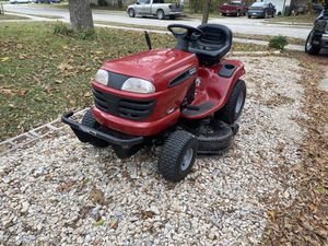 Lawn tractor craftman tractor para el pasto for Sale in Arlington, TX