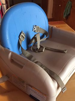Gracie Booster Seat for Sale in Spanaway,  WA