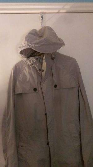 NEW Burberry Tan/Large Raincoat for Sale in Austin, TX
