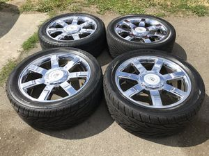 22 INCH CADILLAC ESCALADE RIMS AND TIRES, 6 lug with sensors for Sale in Auburn, WA