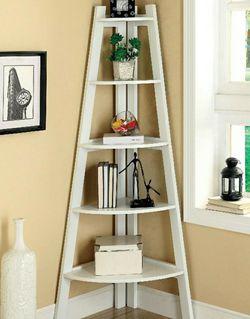 5-shelf Ladder Bookcase In White Finish for Sale in West Covina,  CA