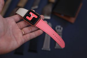 Apple watch swift leather strap for Sale in Shreveport, LA