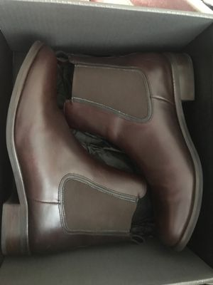Women boots size 11us for Sale in Los Angeles, CA