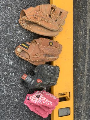 Baseball gloves for Sale in MONTGOMRY VLG, MD