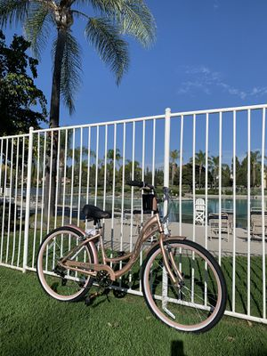 New beautiful ladies beach 🏖 cruiser 7 speeds gears girls women's bike bicycle for Sale in San Diego, CA