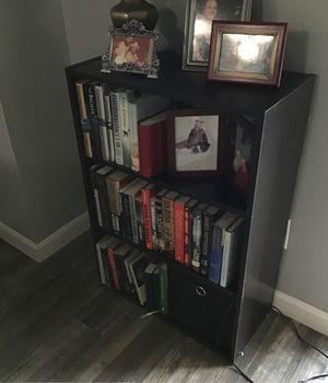 3 ft shelf for Sale in San Antonio, TX
