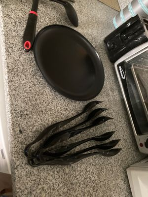 Plastic Black Salad Tongs (3 ct) for Sale in Ithaca, NY