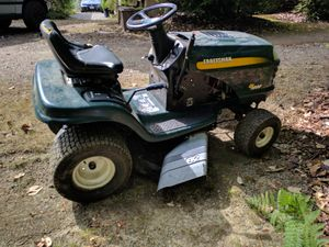 Craftsman ride-on lawn mower 17 horse for Sale in Vaughn, WA