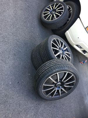 Universal wheels and rims for Sale in Atlanta, GA