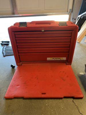 Weather proof snap-on tool chest. for Sale in Apple Valley, CA