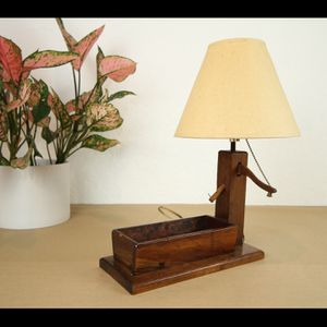 Antique Wood Well Lamp for Sale in Los Angeles, CA