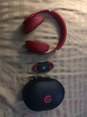 Beats Studio 3 RED for Sale in Tampa, FL