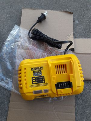 DeWALT FAST CHARGER for Sale in Los Angeles, CA