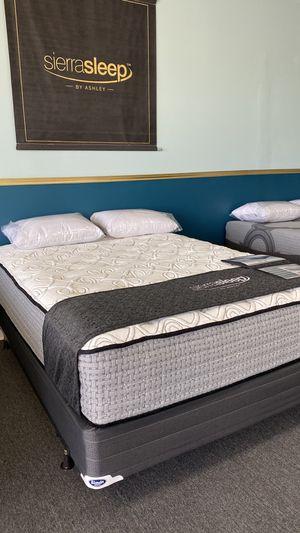 NEW Queen 15'' Plush Mattress Ashley Sierra Sleep Foam 2GO for Sale in Irving, TX