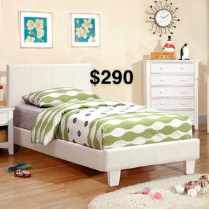 QUEEN BED FRAME W/ MATTRESS INCLUDED for Sale in Gardena, CA