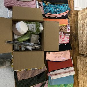Makeup and Makeup Bags for Sale in Hoquiam, WA