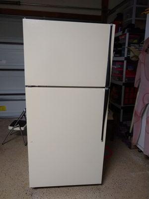 Fridge freezer 18cu ft for Sale in Carlsbad, CA