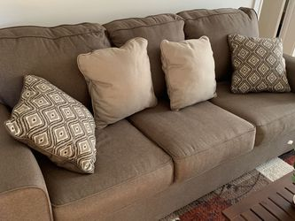 3 Seater Sofa (Only 1 yr old) for Sale in Somerville,  MA