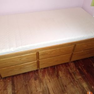 6 Drawer Twin bed Smoke free Pet Friendly $35 for Sale in Vancouver, WA