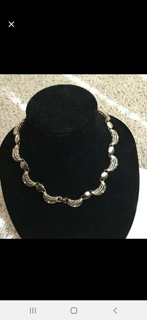 Beautiful gold necklace for Sale in Rosenberg, TX
