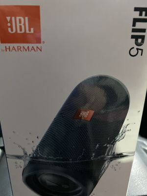 Brand New - never used JBL Flip 5 Bluetooth waterproof speakers for Sale in Antioch, IL