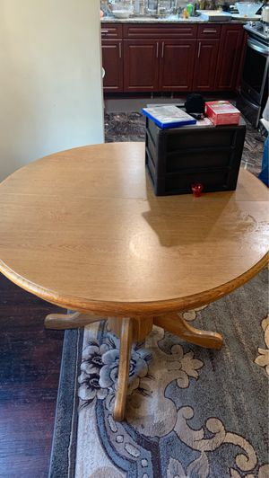 Wooden round table no chairs in good condition for Sale in Dearborn, MI