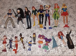 19 pc girls action figures and standing figures for Sale in Los Angeles, CA