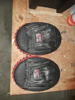 Ufc gloves for Sale in Adelanto,  CA