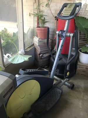 Elliptical Exercise Machine (Caminadora) for Sale in Carrollton, TX
