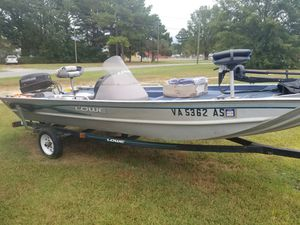 Lowe 175 Striker with 50hp Evinrude for Sale in Suffolk, VA