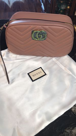 Bag Gucci size new for Sale in Glendale, CA