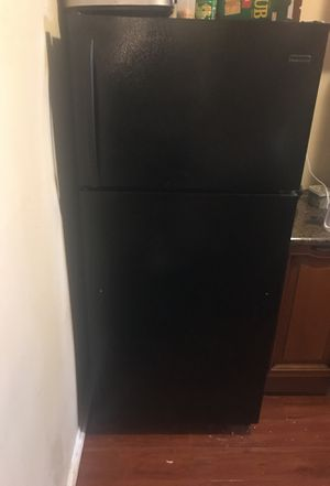 Black refrigerator for Sale in Union City, GA