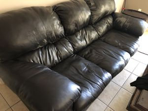 BIG LEATHER COUCH MUST GO for Sale in West Palm Beach, FL