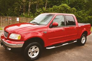 Ford truck is in the good condition F150 2002 Lariat for Sale in Buffalo, NY