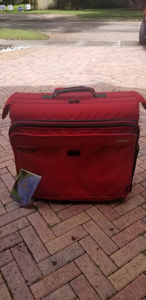 """TRAVELPRO 50"""" LUGGAGE for Sale in Hialeah, FL"""
