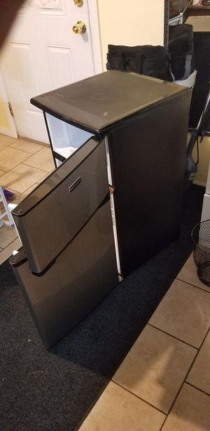Refrigerator 70 dls for Sale in Hawthorne, CA