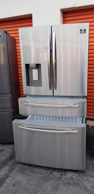 Refrigerador LG with showcase door for Sale in Gardena, CA