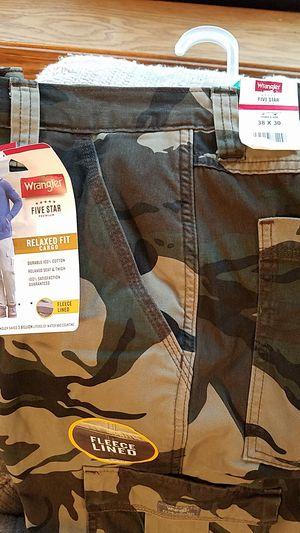 Wrangler fleece lines cargo pants for Sale in Bonney Lake, WA