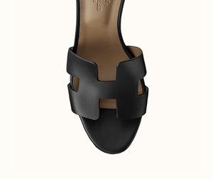 Hermès NEW Black Legend Sandal SZ 40 $880 - Unworn for Sale in Chicago, IL