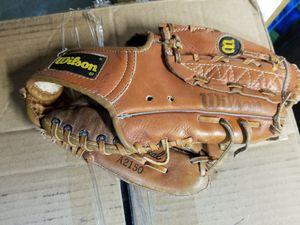 "11.5"" Wilson baseball glove broken in for Sale in Norwalk, CA"