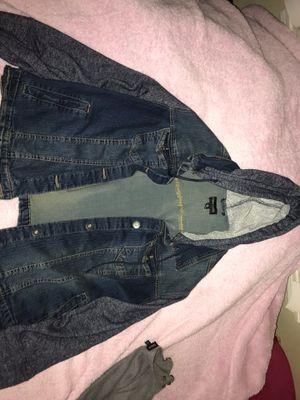jean jacket w/ hoodie for Sale in Lakewood, CA