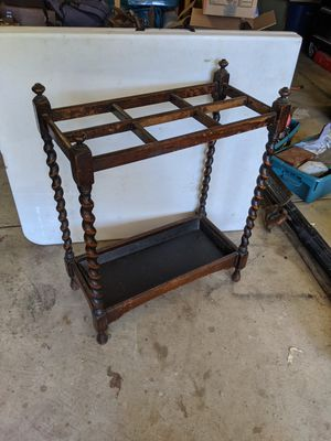 Antique Twisted Leg English Made Umbrella Stand for Sale in Concord, CA
