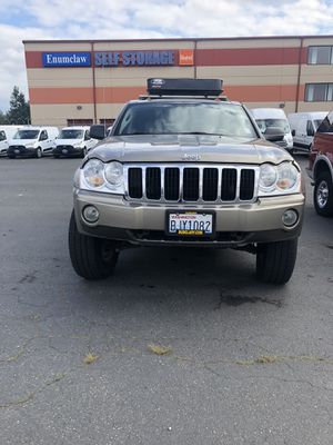 2005 Jeep Grand Cherokee limited for Sale in Enumclaw, WA