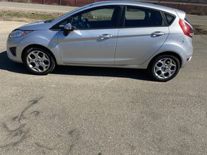 2012 Ford Fiesta *30+ mpg* *salvage title* for Sale in Stockton, CA