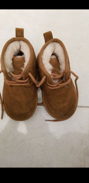 Uggs toddler size 8 for Sale in Hollywood, FL
