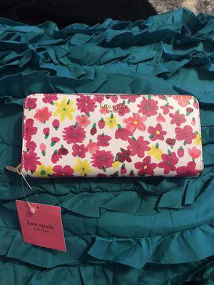 Kate Spade Flower Wallet New for Sale in Burlingame, CA
