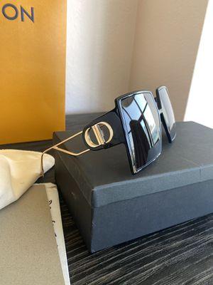 Dior 30MONTAIGNE Black Square Authentic Sunglasses (One Pair Current Season 2020) for Sale in Los Angeles, CA