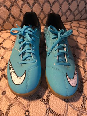Like New Indoor Soccer shoes Nike for Sale in Downey, CA