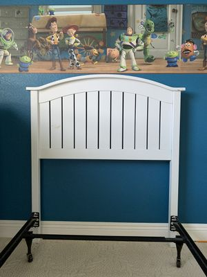Wayfair twin headboard and bed frame for Sale in Las Vegas, NV