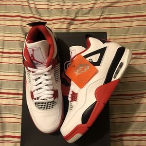 Jordan 4 Retro for Sale in Riverside, CA